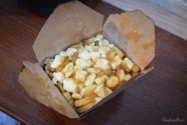 Ottawa : poutine(frites fromage sauce)
