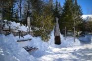 village des Hurons Wendat : séchage (sur grille) et fumage (sous hutte) du poisson